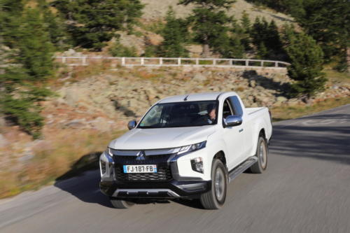mitsubishi L200 club cab awd 2020 photo laurent sanson-17