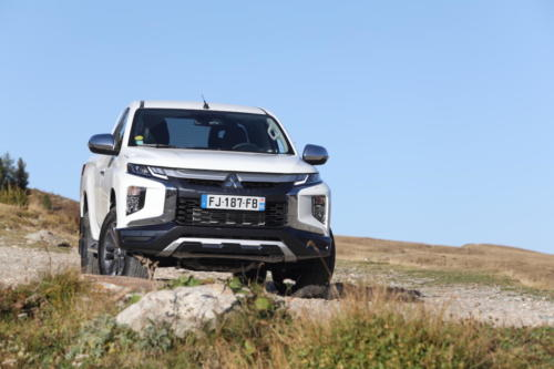 mitsubishi L200 club cab awd 2020 photo laurent sanson-27