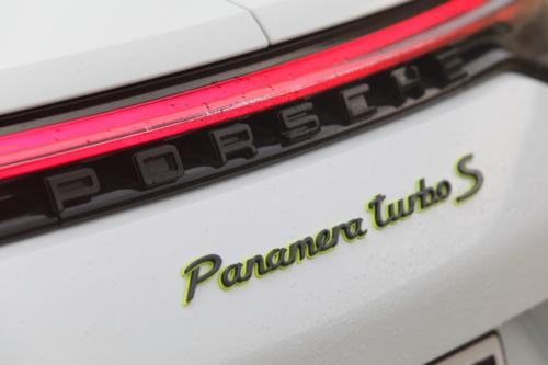 porsche panamera turbo s e-hybrid 2021 photo laurent sanson-15